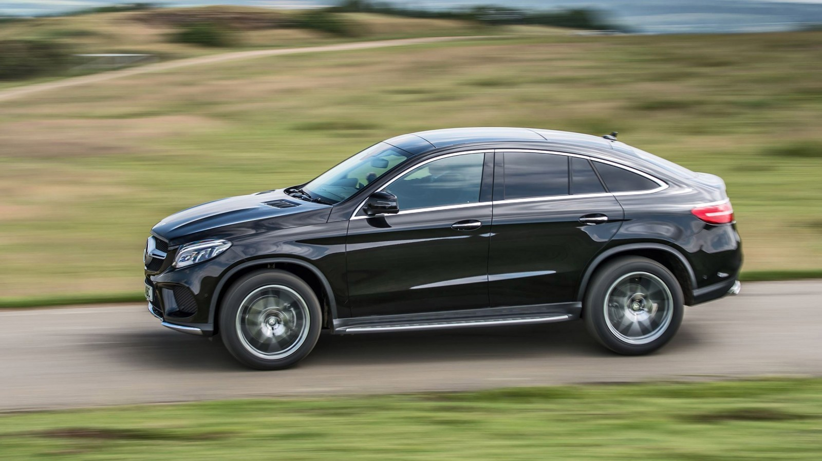2016 mercedes benz gle coupe in 40 new photos previews gle400 twin turbo. Black Bedroom Furniture Sets. Home Design Ideas