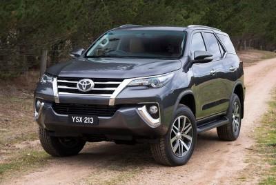 2016 Toyota Fortuner 9