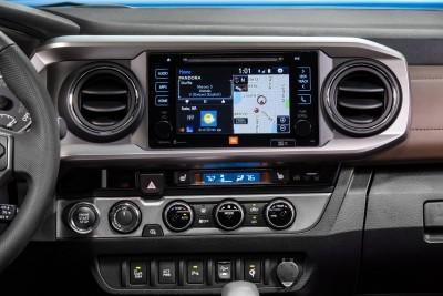 2016 Toyota TACOMA 19