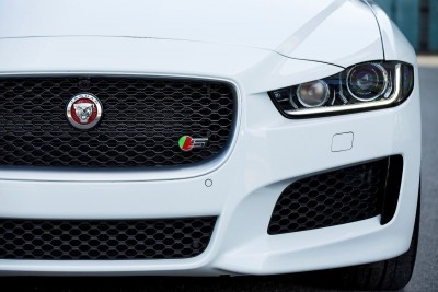 Jaguar_XE_Polaris_V6S_151_(108565) copy