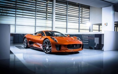 007 SPECTRE Bond Cars - Jaguar CX-75 Land Rover RRS SVR 12