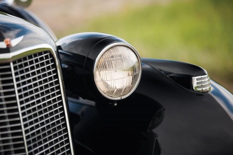 1937 Cadillac V16 Fleetwood Limousine 9