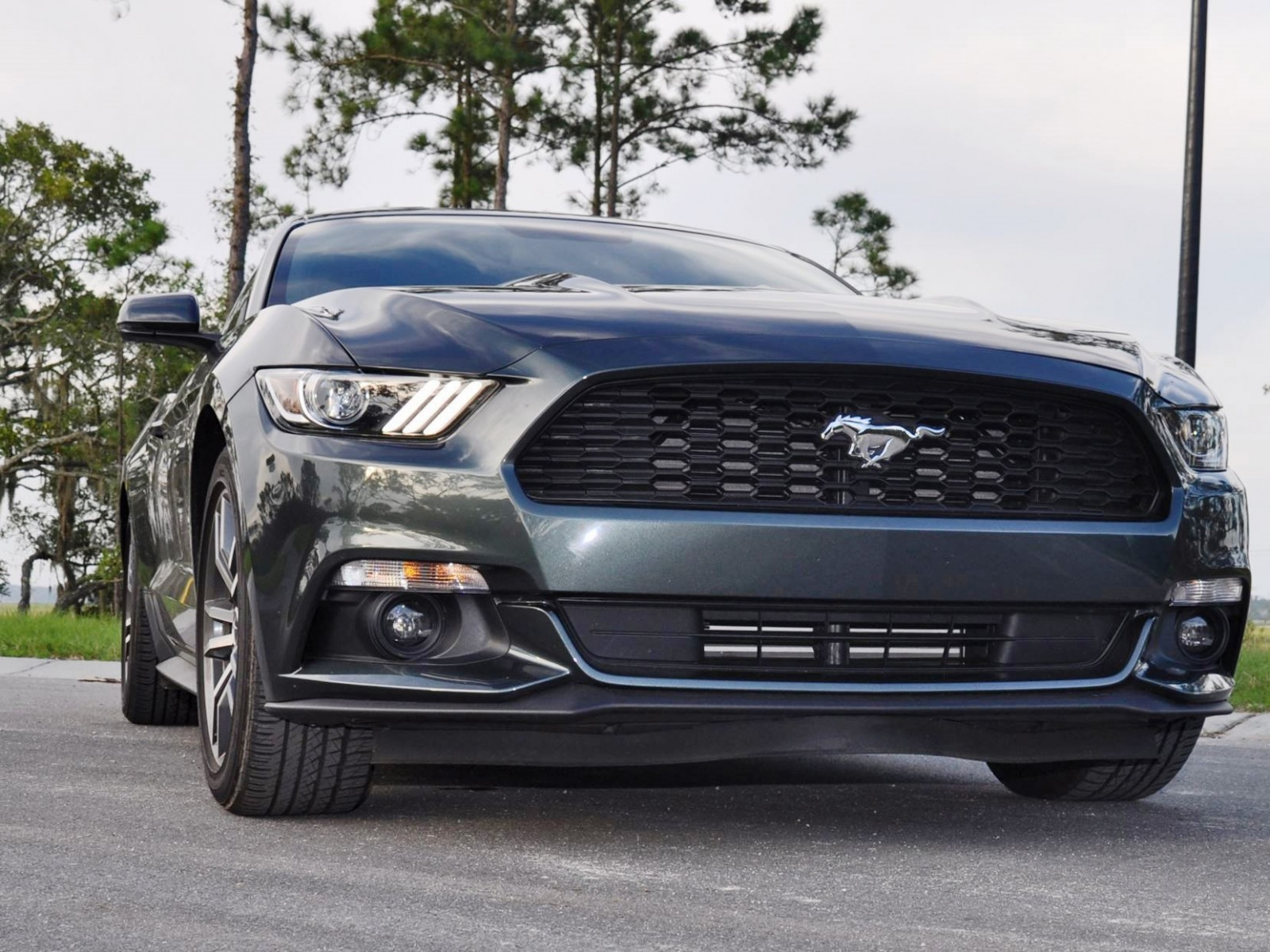 2015 ford mustang ecoboost automatic review 20. Black Bedroom Furniture Sets. Home Design Ideas