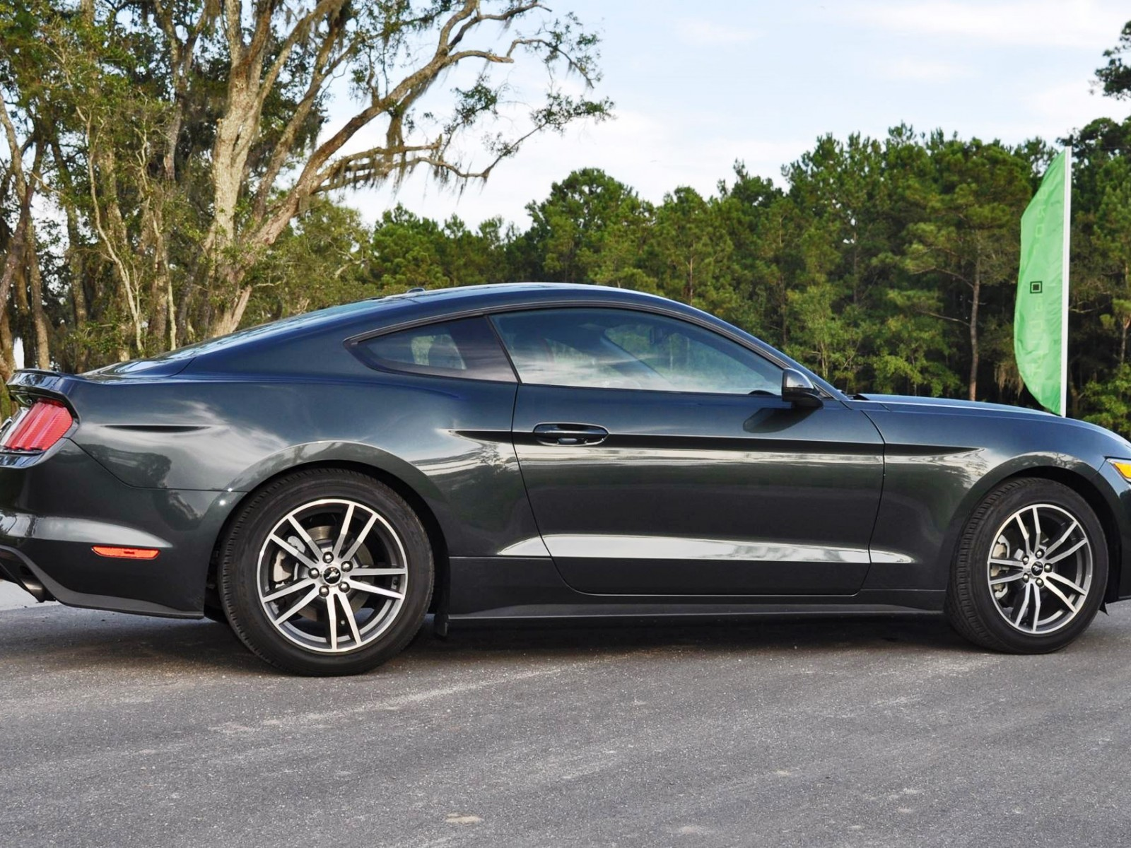 2015 ford mustang ecoboost automatic review 3. Black Bedroom Furniture Sets. Home Design Ideas