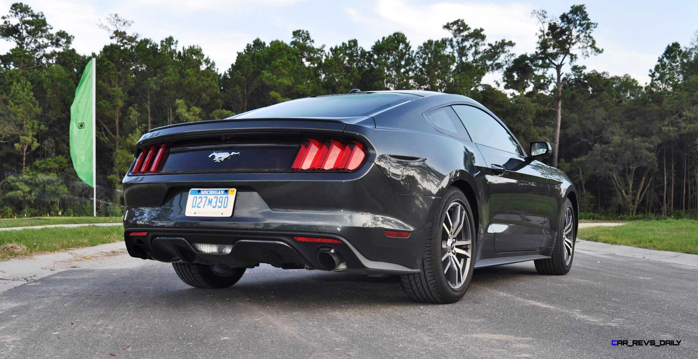 2015 ford mustang ecoboost automatic review 32. Black Bedroom Furniture Sets. Home Design Ideas