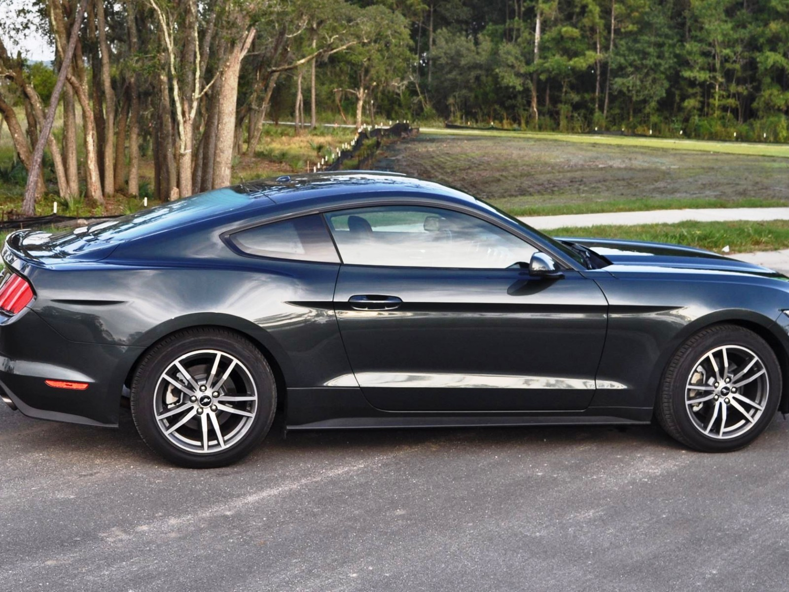 2015 ford mustang ecoboost automatic review 41. Black Bedroom Furniture Sets. Home Design Ideas