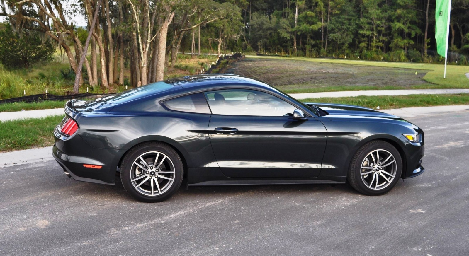 2015 ford mustang ecoboost automatic review 40. Black Bedroom Furniture Sets. Home Design Ideas