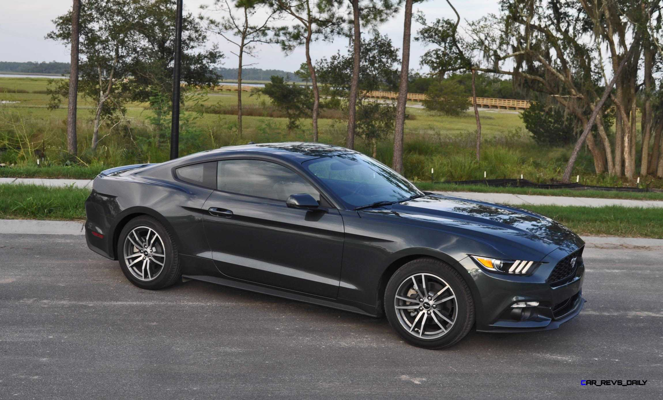 2015 ford mustang ecoboost automatic review 46. Black Bedroom Furniture Sets. Home Design Ideas