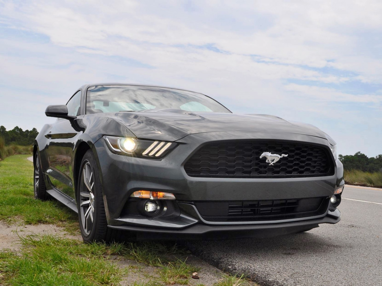 2015 ford mustang ecoboost automatic review 77. Black Bedroom Furniture Sets. Home Design Ideas