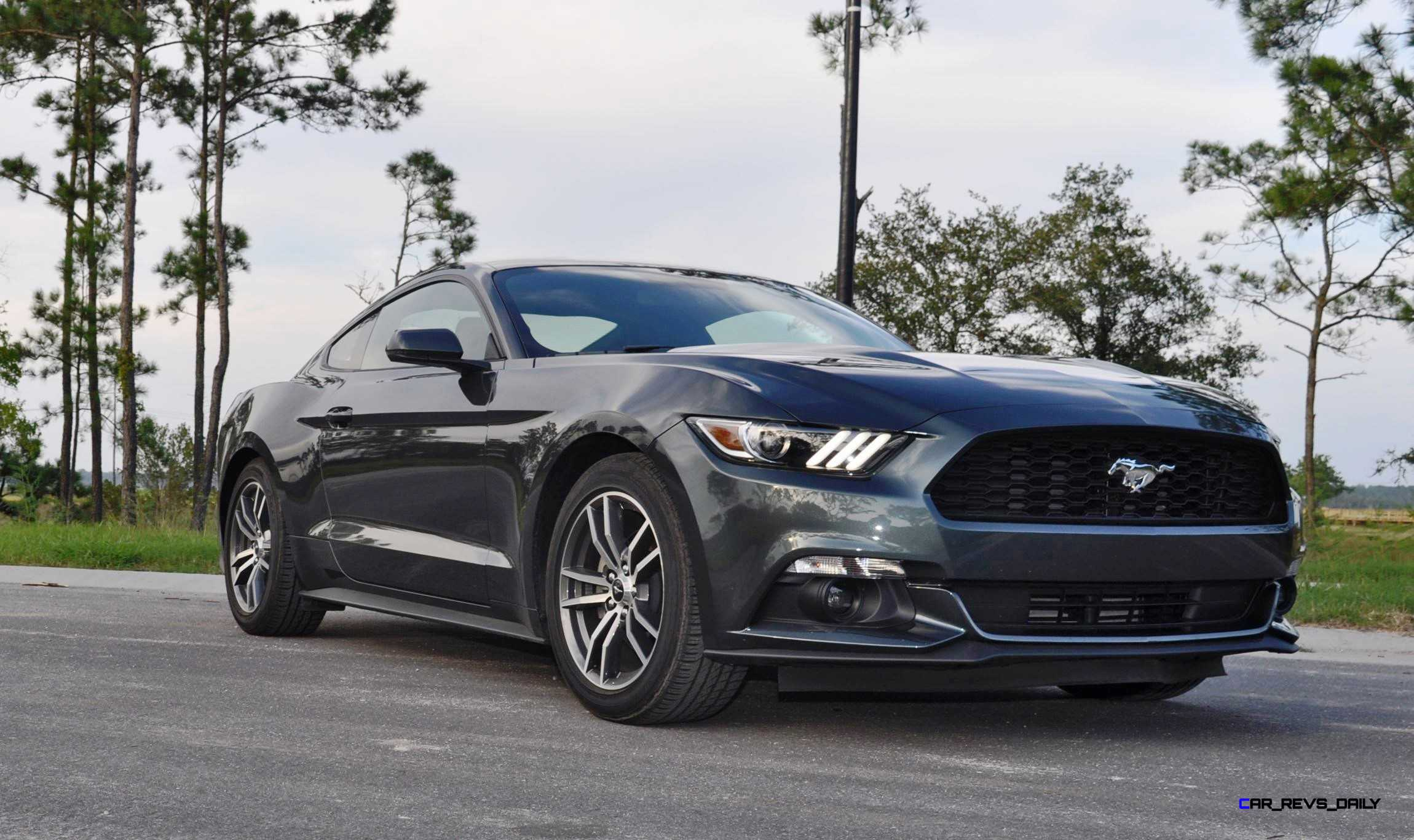 2015 ford mustang ecoboost automatic review 9. Black Bedroom Furniture Sets. Home Design Ideas