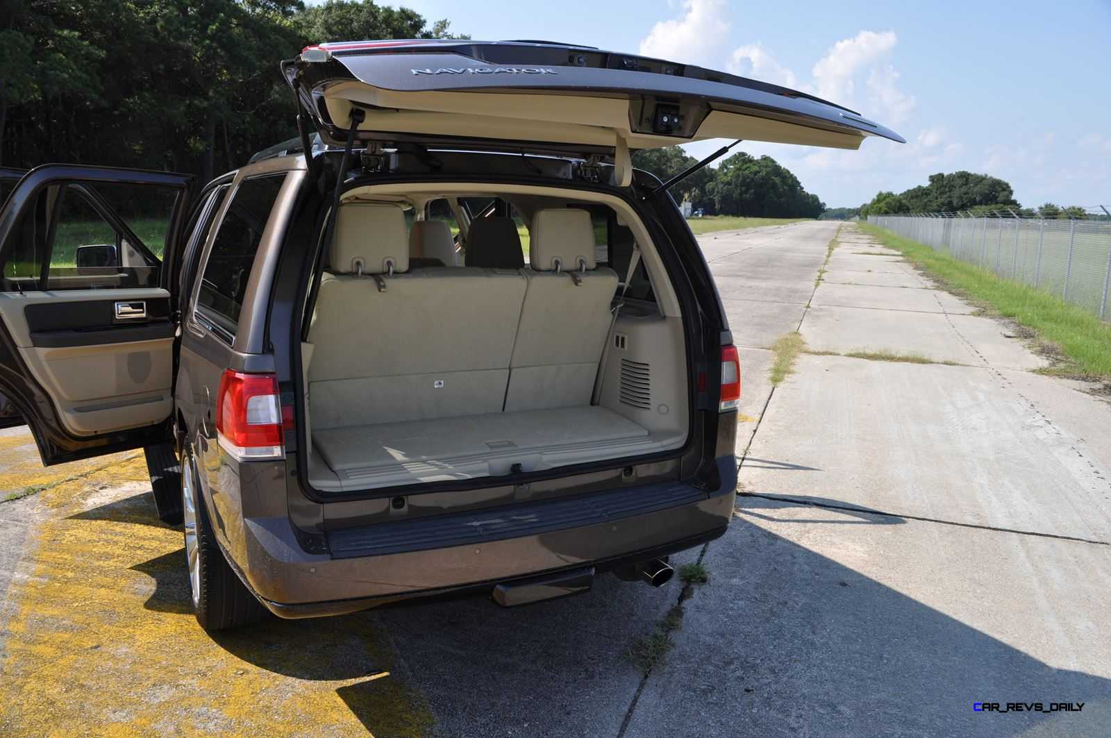 2015 Lincoln Navigator 4x4 Reserve Interior Photos 13
