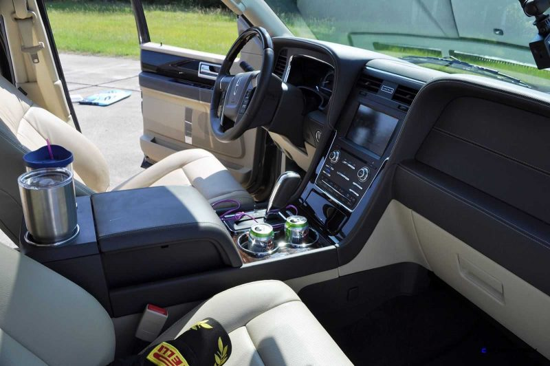 2015 Lincoln NAVIGATOR 4x4 Reserve - Interior Photos 9
