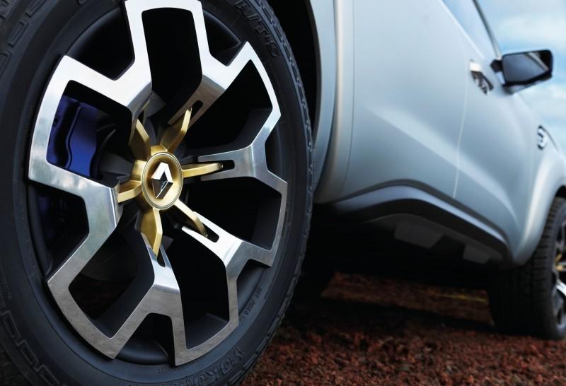 2015 Renault ALASKAN 8