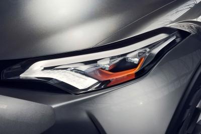 2015 Toyota C-HR Concept 4-Door 13