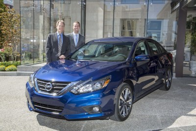 DETROIT (Sept. 22, 2015) – Nissan Motor Co., Ltd. executive vice president and North America chairman José Muñoz today pulled the wraps off the extensively redesigned 2016 Nissan Altima at Automotive Press Association meeting in Detroit. Pictured from left to right: and Tiago Castro, Regional Product Manager, Large Sedans; and Scott Gorte Senior Manager, CMM.