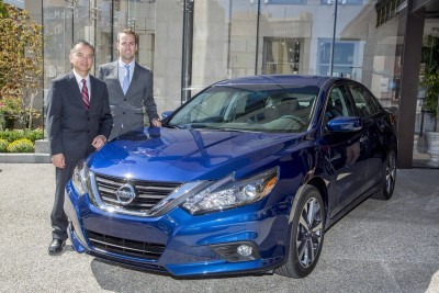 DETROIT (Sept. 22, 2015) – Nissan Motor Co., Ltd. executive vice president and North America chairman José Muñoz today pulled the wraps off the extensively redesigned 2016 Nissan Altima at Automotive Press Association meeting in Detroit. Pictured from left to right: Ken Kcomt, Director, Sedans; and Tiago Castro, Regional Product Manager, Large Sedans.