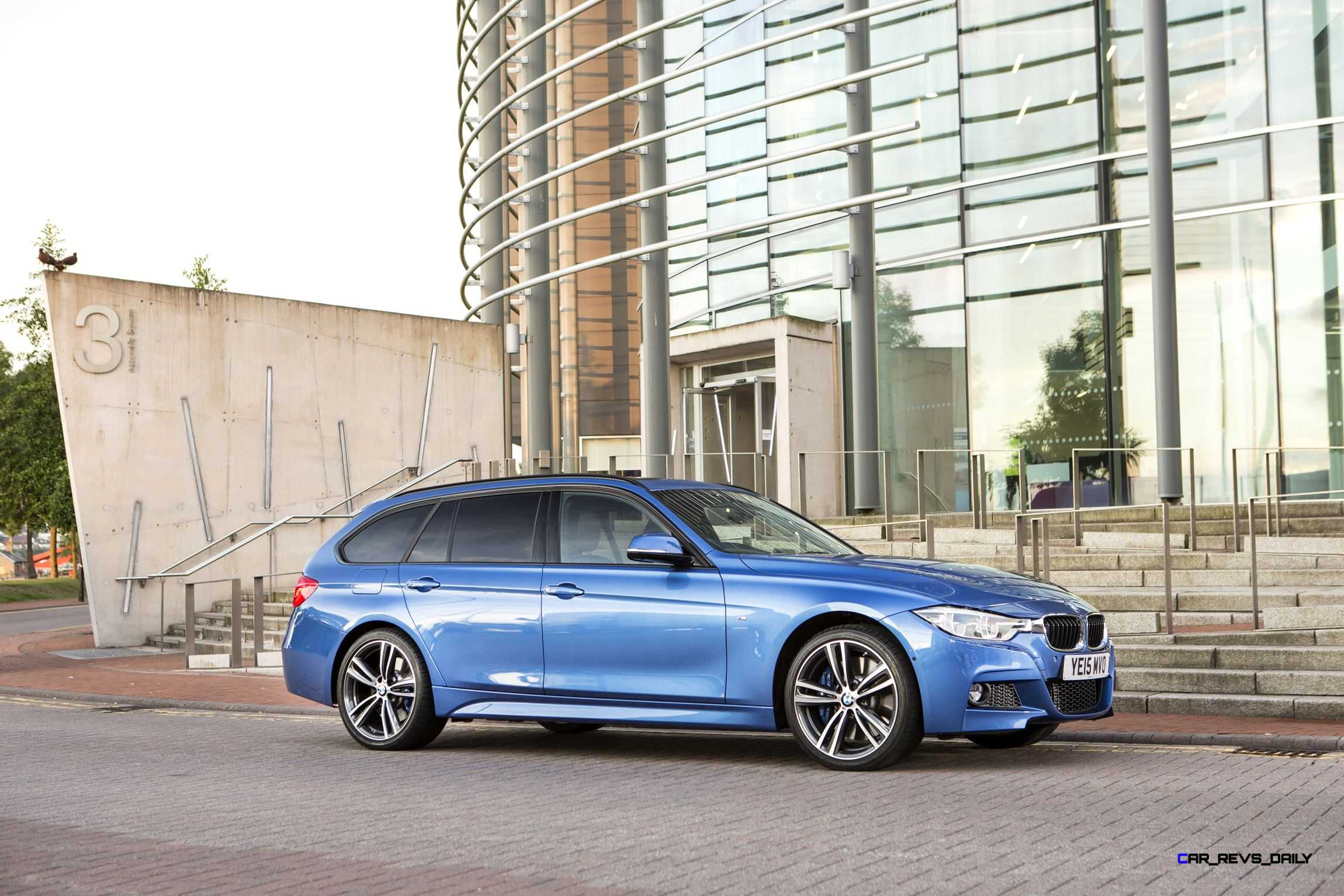 2016 bmw 330d xdrive touring 36 car revs. Black Bedroom Furniture Sets. Home Design Ideas