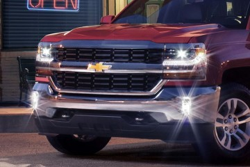 2016 Chevrolet SILVERADO Brings Lux LED Upgrades, 8-Speed Auto for 5.3L V8