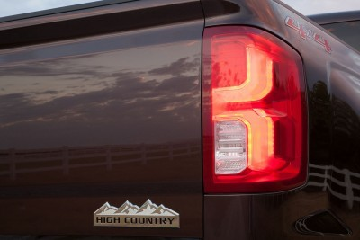 2016 Chevrolet Silverado 1500 High Country LED taillamp