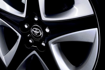 2016 Toyota PRIUS 16