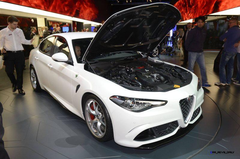 2017 Alfa Romeo GIULIA Quadrifoglio 12