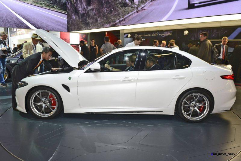 2017 Alfa Romeo GIULIA Quadrifoglio 13