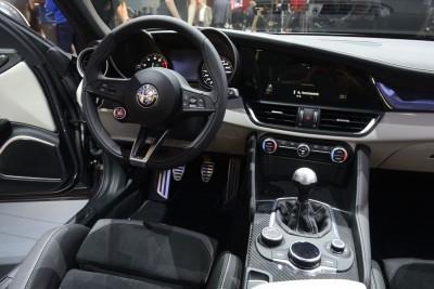 2017 Alfa Romeo GIULIA Quadrifoglio 15