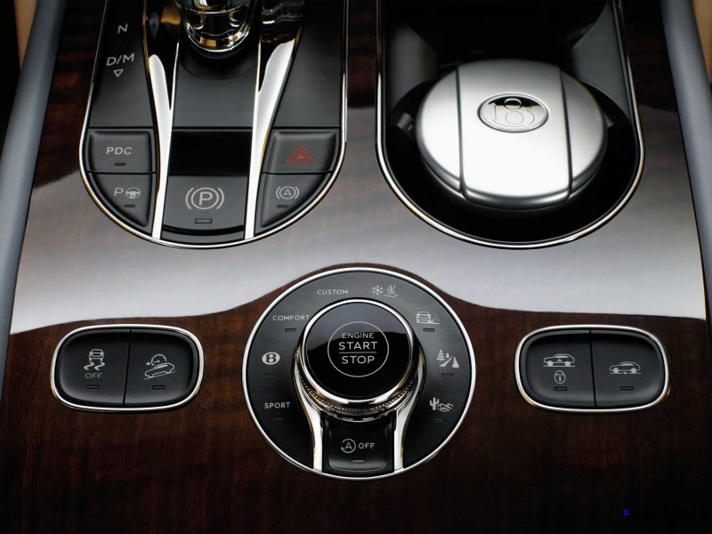 2017 Bentley BENTAYGA Interior 8