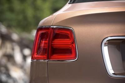 2017 Bentley BENTAYGA Interior 9