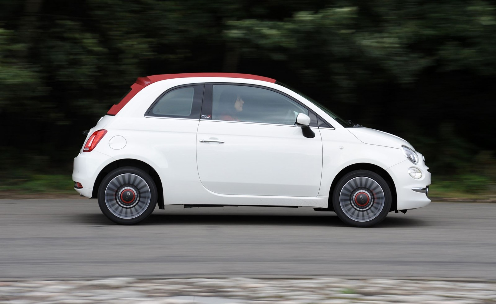 2017 fiat 500 update specs price release date redesign. Black Bedroom Furniture Sets. Home Design Ideas