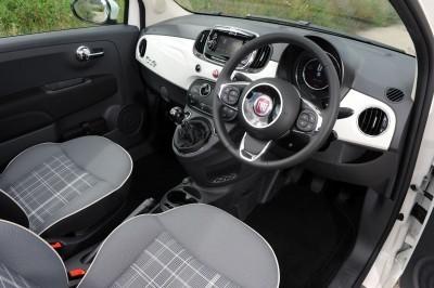 2017 FIAT 500 46