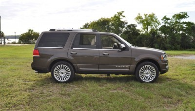 HD Road Test Review - 2015 Lincoln NAVIGATOR 4x4 Reserve 15