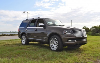 HD Road Test Review - 2015 Lincoln NAVIGATOR 4x4 Reserve 18