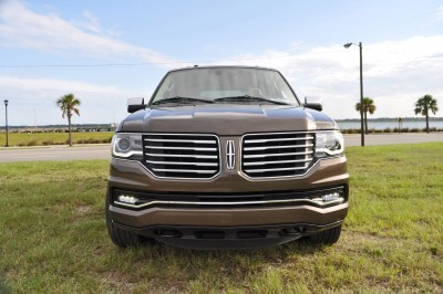 HD Road Test Review - 2015 Lincoln NAVIGATOR 4x4 Reserve 20