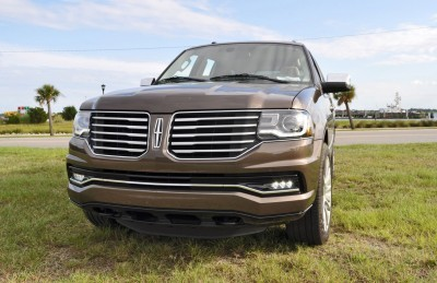HD Road Test Review - 2015 Lincoln NAVIGATOR 4x4 Reserve 21