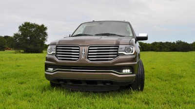 HD Road Test Review - 2015 Lincoln NAVIGATOR 4x4 Reserve 22