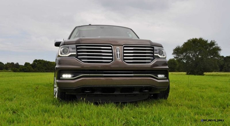 HD Road Test Review - 2015 Lincoln NAVIGATOR 4x4 Reserve 24