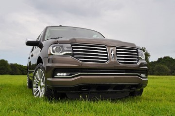 HD Road Test Review - 2015 Lincoln NAVIGATOR 4x4 Reserve - Best Full-Size SUV?