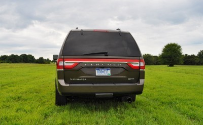HD Road Test Review - 2015 Lincoln NAVIGATOR 4x4 Reserve 37