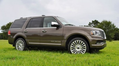 HD Road Test Review - 2015 Lincoln NAVIGATOR 4x4 Reserve 46