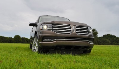 HD Road Test Review - 2015 Lincoln NAVIGATOR 4x4 Reserve 49