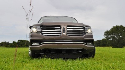 HD Road Test Review - 2015 Lincoln NAVIGATOR 4x4 Reserve 51