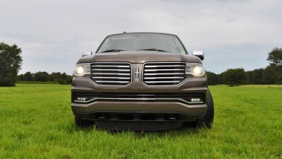HD Road Test Review - 2015 Lincoln NAVIGATOR 4x4 Reserve 53