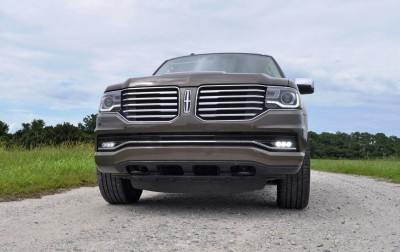 HD Road Test Review - 2015 Lincoln NAVIGATOR 4x4 Reserve 61