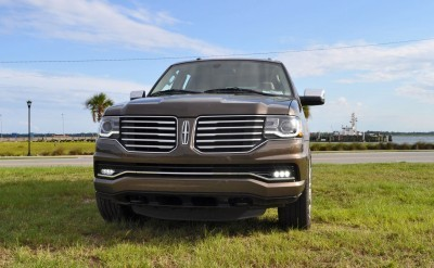 HD Road Test Review - 2015 Lincoln NAVIGATOR 4x4 Reserve 7