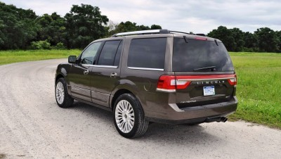HD Road Test Review - 2015 Lincoln NAVIGATOR 4x4 Reserve 75