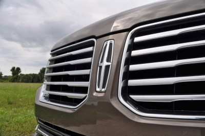 HD Road Test Review - 2015 Lincoln NAVIGATOR 4x4 Reserve 82