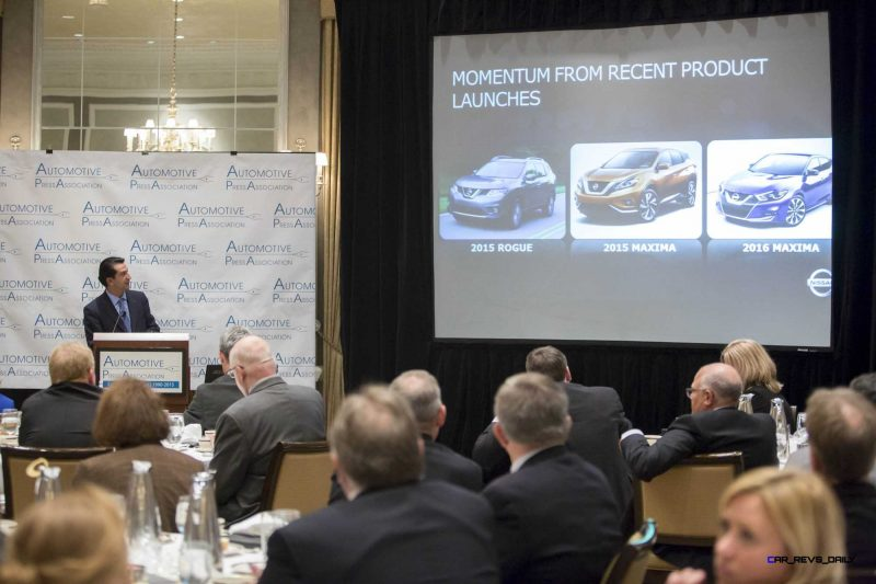 José Muñoz presents new 2016 Nissan Altima in Detroit