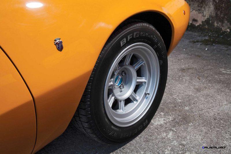 1969 DeTomaso Mangusta by Ghia 10