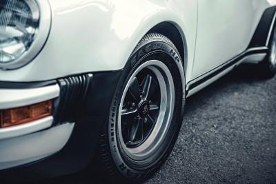 1976 Porsche 911 Turbo 33